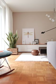 modern living room design decorated in neutral colors with green plants association idea of beige color in the decor . Design Salon, Salon Interior Design, Design Design, Living Room Seating, Living Room Decor, Dining Room, Interior Design Portfolios, Home Decor Baskets, Minimalist Room