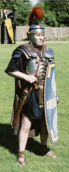 also see http://www.romanobritain.org/8-military/mil_roman_soldier_sword.htm#.Vq7RU7IrL4Z