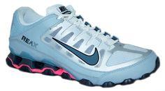 LAS MEJORES MARCAS EN: WWW.IMPERIALSHOP.CO   El Calzado Nike Reax 8 TR SL, fue creado para hombres y mujeres que practican ejercicios de gran intensidad. Con diseño moderno, están confeccionados en cuero con inserción de sintético, una combinación que permite comodidad y excelente durabilidad. Además, en la entresuela vas a encontrar la amortiguación perfecta a través de la tecnología Nike Reax, que absorbe los impactos, principalmente en la región del talón
