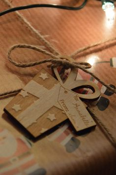 The Crafty Giraffe - Personalised Gift Tags, £1.25 (http://www.thecraftygiraffe.co.uk/personalised-gift-tags/)