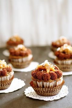 One of the first things I wanted to make in my new kitchen was, of course, cupcakes. I've never been a really big fan of German chocolate. German Chocolate Cupcakes, Chocolate Crunch, Chocolate Hazelnut, Coconut Chocolate, Healthy Cupcakes, Vegan Cupcakes, Yummy Cupcakes, Mini Cupcakes, Cupcake Recipes
