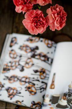 Buch Rezension - Lomelinos Backen - Malzbier-Brezel-Cupcakes von den [Foodistas] - Beer Pretzel Cupcakes
