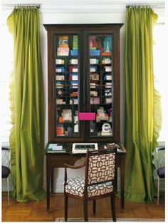 shoebox decor: Great small space office Green silk drapes, secretary and parquet wood floors. secretary between two windows Small Space Office, Small Spaces, Work Spaces, Living Spaces, Silk Drapes, Ruffle Curtains, Drapery, Long Curtains, Green Curtains