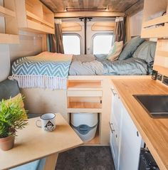 I'd take this over a night in a hotel any day! Who else agrees? Van Life Movement // Tiny Living // Tiny House on Wheels // Van Conversion // Van Living // Tiny Home // Architecture // Home Decor Bus Life, Camper Life, Diy Van Camper, Ikea, Kombi Home, Van Home, Sprinter Camper, Campervan Interior, Van Living