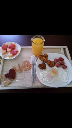 Ideas breakfast sorprise dad for 2019 - Frühstück Birthday Dinner Menu, Birthday Breakfast, Birthday Dinners, Breakfast For Dinner, Best Breakfast, Breakfast Recipes, Snack Recipes, Wedding Breakfast, Romantic Breakfast