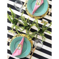 Almoço de sexta na vibe do Tropical Vintage tema super em alta e que não podia ficar de fora do @mesahits!  Faça uma mesa no tema e use a hashtag #semanamesahits_tropicalvintage  e vem concorrer a prêmio da @queenloja.  #mesahits #lardocecasa #lardocemesa