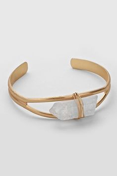 Quartz Taylor Bracelet on Emma Stine Limited Stone Jewelry, Crystal Jewelry, Jewelry Box, Jewelery, Jewelry Bracelets, Jewelry Accessories, Jewelry Design, Jewelry Making, Jewelry Crafts