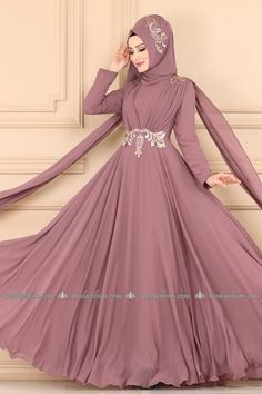 Abaya Fashion, Muslim Fashion, Fashion Dresses, Muslim Wedding Gown, Wedding Party Dresses, Dress Neck Designs, Designs For Dresses, Long Gown Dress, The Dress