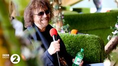 BBC Radio 2 - Radio 2 Live in Hyde Park, Backstage at Radio 2 Live in Hyde Park 2014 - Two legends share one photo - Sir Terry meets Mr ELO, Jeff Lynne Jeff Lynne, We Are Festival, Bbc Radio, Hyde Park, Pop Music, First Photo, Orchestra, Behind The Scenes, All About Time