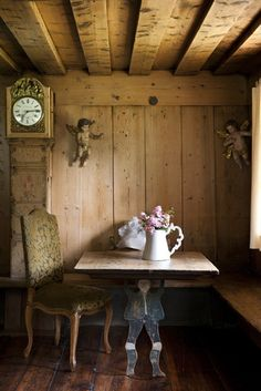 Stefano Scatà Food Lifestyle and Interiors photographer Carinthian mountain house German Houses, Chalet Interior, Simply Home, Interior Decorating, Interior Design, Cabins And Cottages, Wood Interiors, Easy Home Decor, Shabby Chic Decor
