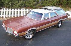1966 Olds Vista Cruiser | 1971 Oldsmobile Vista Cruiser
