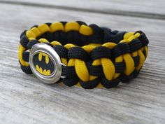 Batman Paracord Survival Bracelet - stuff for the hubs to make