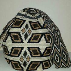 Tapestry Bag, Tapestry Crochet, Crochet Stitches Chart, Beanie, Hats, Models, Crochet Hats, Short Dresses, Memories