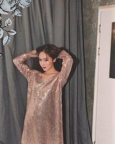Entries feed for aeries_amethyst Jessica & Krystal, Jessica Lee, Krystal Jung, Kpop Girl Groups, Kpop Girls, Fashion 2017, Fashion Dresses, Girls Generation Jessica, Jessica Jung Fashion