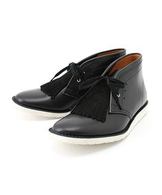 black on black. IF I WAS A DUDE, I WOULD ROCK THESE BABYS, CLEAN!!!!!