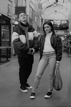 b&w, converse, and olly alexander εικόνα English Actresses, Actors & Actresses, Best Young Actors, Teen Awards, Game Of Throne Actors, Olly Alexander, She Movie, Maisie Williams, British Actors