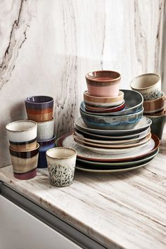 design ceramics and colors. Think of brown tones with lots of orange and rust. Irregular and imperfect glazes and finishes. Nachhaltiges Design, Design Trends, House Design, Design Ideas, Interior Design Tips, Interior Inspiration, Wabi Sabi, Kitchen Interior, Kitchen Design