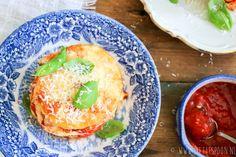 Dol op pompoen en Italiaans eten? Dan is pompoen parmigiana iets voor jou. Benieuwd hoe je het maakt? Klik snel verder voor het recept.