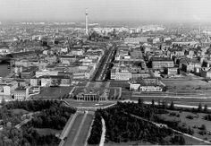 Brandenburger Tor BERLIN. Brandenburg Gate late 60's/early 70's