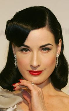 Beauty and Elegance: Classic 1940's/50's Pinup Girl Look