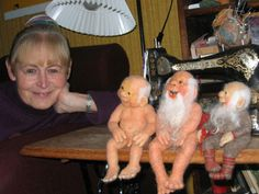 Old Nisses - Plus picture gallery of Doll of the month.  Lots of ideas.
