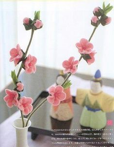 Cherry Blossoms made from felt. Idea: Cut simple flower from felt, pinch centre and sew or glue, add buttons or small pom-pom balls for centre. Felt Flowers, Diy Flowers, Fabric Flowers, Paper Flowers, Spring Flowers, Fleurs Diy, Felt Fabric, Felt Diy, Felt Hearts