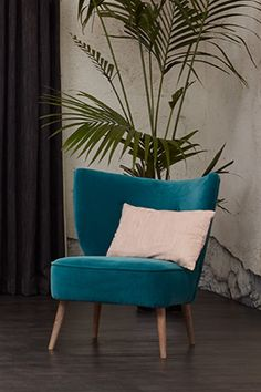 Accent Chairs This turquoise green accent chair peppers this bedroom scheme with splashes of vibrant Accent Chairs Under 100, Accent Chairs For Living Room, Formal Living Rooms, Turquoise Chair, Bedroom Turquoise, Furniture Styles, Cheap Furniture, Loft Furniture, Furniture Removal