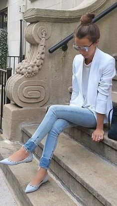 CUTE SPRING OUTFIT WITH A BLAZER