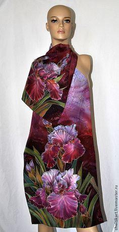 """Купить Шарф Батик """"Ирисы Бордо"""" - батик шарф, шелковый шарф, шарф батик Modern Saree, Batik Art, Silk Art, Painted Clothes, Silk Shawl, Fashion Painting, Scarf Design, How To Dye Fabric, Glamour"""