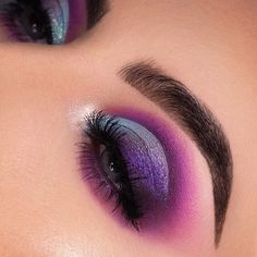 Gorgeous Makeup: Tips and Tricks With Eye Makeup and Eyeshadow – Makeup Design Ideas Colorful Eye Makeup, Eye Makeup Art, Colorful Eyeshadow, Eyeshadow Makeup, Eyeshadow Palette, Beauty Makeup, Huda Beauty, Face Makeup, Gloss Eyeshadow