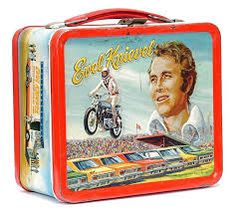 Vintage Lunch Boxes Revisited: When Pop Culture Ruled the Playground Sometimes to get on a lunch box, you didn't need your own TV show, you just had to be famous like Evel Knievel. Retro Lunch Boxes, Lunch Box Thermos, Tin Lunch Boxes, Metal Lunch Box, Tin Boxes, Childhood Toys, Childhood Memories, 1970s Childhood, School Memories