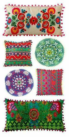 Mexican Pillows, Mexican Textiles, Mexican Fabric, Deco Boheme Chic, Mexican Home Decor, Mexican Style Bedrooms, Mexican Bedroom Decor, Mexican Style Homes, Mexican Decorations