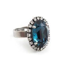 Koop deze fonkelende blauwe ring met Swarovski Elements kristal bij Aurora Patina, de leukste sieraden webshop van Nederland!
