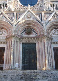 Портал собора