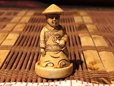"Vintage Asian Mini Carved Okimono Netsuke Man Statue Figure Figurine 1 3/4""x7/8"""