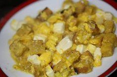 Ovos Mexidos com Queijo Fresco e Pão Torrado http://grafe-e-faca.com/pt/receitas/ovos/ovos-mexidos-com-queijo-fresco-e-pao-torrado/