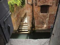 Friendly Venice: A room with a view: that's what you need when you visit Venice.