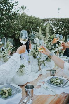 How To Do Effortless Summer Entertaining Like A SoCal Styling Expert