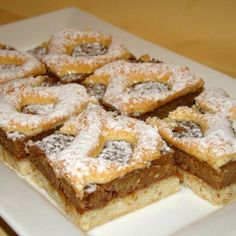Berliner szelet recept Hungarian Desserts, Hungarian Cake, Hungarian Recipes, Hungarian Food, Cookie Desserts, Cookie Recipes, Romanian Food, Salty Snacks, Bread And Pastries