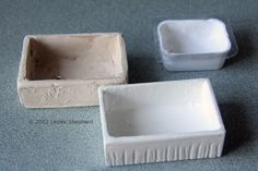 How to make a range of farmhouse, Belfast or butler's sinks in dollhouse scale.