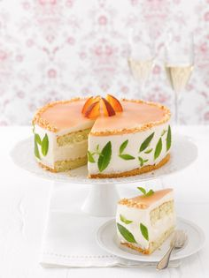 NO RECIPE Pfirsich-Prosecco-Torte | Sweet Dreams Blog