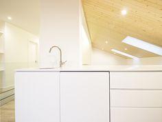 Sótão da Família Maia #loftrenovation #loft #architecture #kitchen #upcycled #storage #homedecor #furniture #interiors #interiordesign #homeinspiration #details #homesweethome #homestoriespt #umaobraumahistória