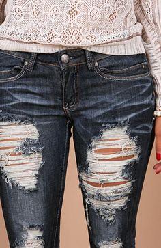 fd1d6868f Calça Jeans Rasgada, Jeans Rasgado, Calca Jeans Masculinas, Jeans  Masculino, Look Despojado