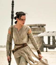 """Unconfirmed scene details from """"Star Wars: The Force Awakens"""" suggest there's more than meets the eye with Daisy Ridley's Rey. Description from hngn.com. I searched for this on bing.com/images"""