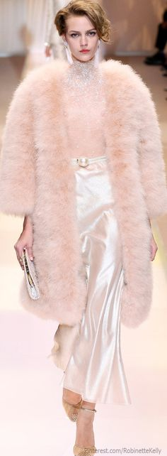 """Armani Prive Fall – Giorgio Armani calls Armani Privé's fall 2013 haute couture collection simply,""""Nude"""", and certainly the outing of understated tans… Fur Fashion, Fashion Week, Couture Fashion, Runway Fashion, High Fashion, Winter Fashion, Fashion Show, Womens Fashion, Fashion Design"""