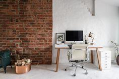 мансарда кирпичная кладка рабочее место стол кресло Office Desk, Corner Desk, Furniture, Design, Home Decor, Corner Table, Desk Office, Decoration Home, Desk