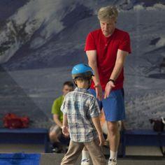 Nasi instruktorzy  Instruktorzy, którzy uczą w SkiMondo mają duże doświadczenie w szkoleniu dzieci i dorosłych, potwierdzone licznymi kursami i wieloletnią praktyką. Posiadają licencje PZN, SITN lub MENIS. Wszyscy są pasjonatami sportów zimowych i pragną swoją pasją zarazić innych ludzi!  http://skimondo.pl
