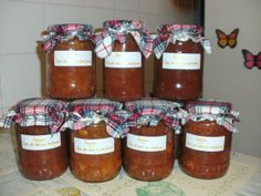 10 borcane mari cu gem de mere cu scortisoara, pentru niste copii cu nevoi speciale...