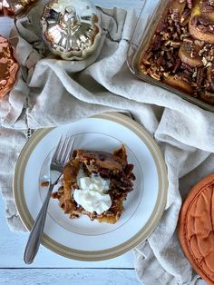 Pumpkin Pie French Toast Casserole French Toast Casserole, Brunch Casserole, Low Sugar Recipes, No Sugar Foods, Dairy Free Recipes, Breakfast Meat, Overnight Breakfast, Pumpkin Scones, Pumpkin Pie Spice