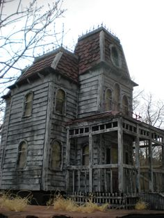 Items similar to Bates Mansion from Psycho! The Haunted Construction co. haunted hollywood collection on Etsy ON SALE! No wait ready to ship. Bates Mansion from Psycho! Old Abandoned Buildings, Old Buildings, Abandoned Places, Abandoned Castles, Spooky Places, Haunted Places, Old Mansions, Abandoned Mansions, Mansions Homes